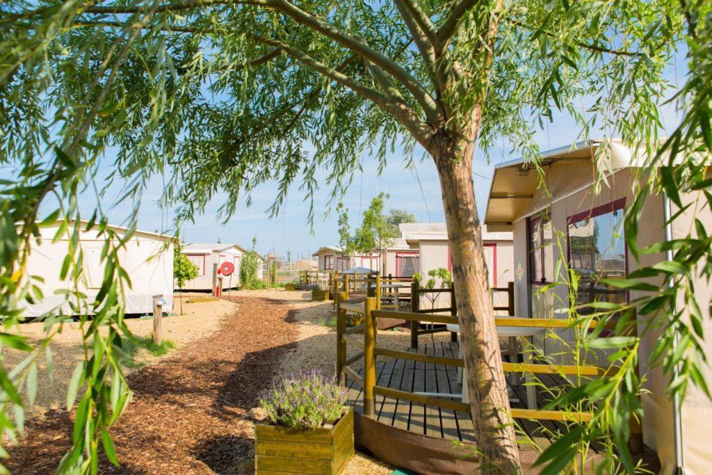 Camping Le Serignan Plage Lodgetent.nl - drie mooiste campings met Lodgetenten in Frankrijk